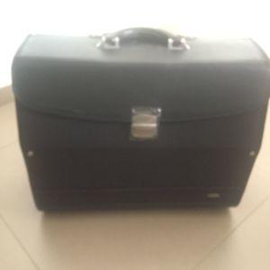 Επαγγελματική τσάντα