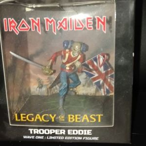 Φιγούρα  Iron Maiden Trooper Eddie !