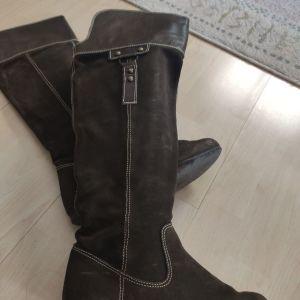 Νο. 37 μπότες