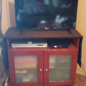 Πωλείται ξύλινο έπιπλο TV