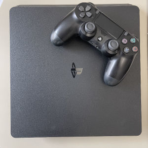 Πωλείται PS4