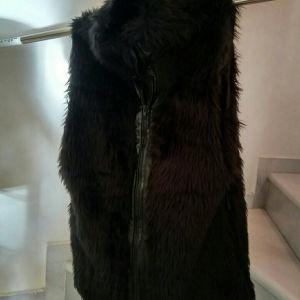 γιλέκο με γούνα μαύρο αμανικο