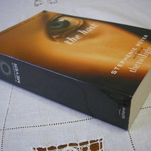 The host - Stephenie Meyer (in english)