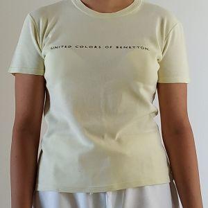Κιτρινη μπλουζα