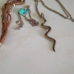 Faux bijoux