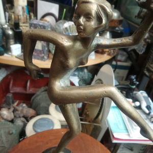 μπρούτζινο άγαλμα αρτ νουβω