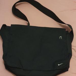 Τσάντα Nike