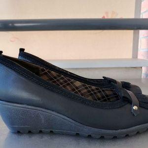 Γυναικεία παπούτσια μαύρα δερμάτινα νούμερο 40