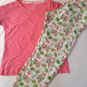 Πανέμορφη πιτζάμα γυναικεία με ωραία λεπτομέρεια στην μπλούζα