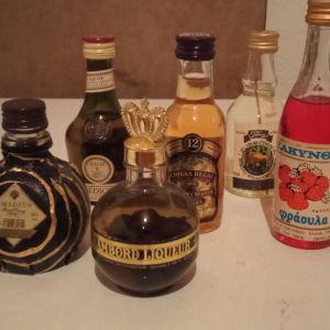 8 μινιατούρες μπουκάλια ποτου
