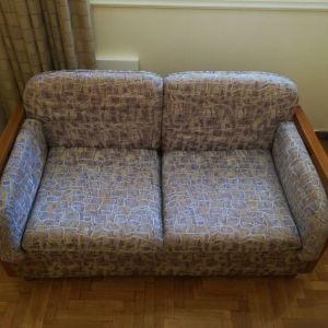 Καναπέδες σαλονιού τριθέσιος και διθέσιος