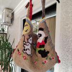 7 ευρώ υπέροχη και πρακτική χειροποίητη τσάντα με διαστάσεις 55Χ42 κ μήκος στο χερούλι 62 πολύ όμορφα φοδραρισμενη. αφορετη.