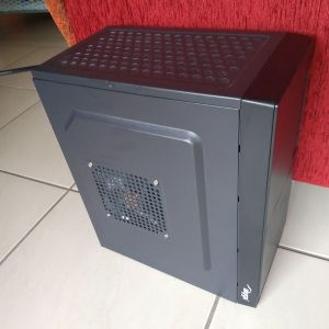 Micro PC Work & Gaming. INTEL XEON I7 4 Core 8 Thread, 8 GB RAM, SSD, HDD, Radeon 7850 2GB