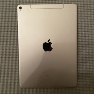 iPad Pro 9.7 32GB Wifi + Cell & Apple Pencil