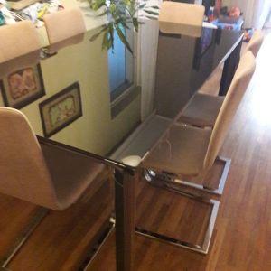 Τραπεζαρία (Μαύρη λάκα) και 6 καρέκλες