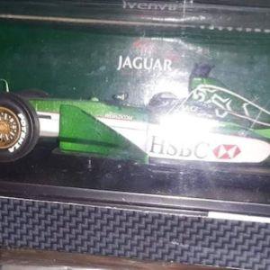 F1 JAGUAR R1 #7 - EDDIE URVING 2000 / HOT WHEELS / 1:18 / DIECAST