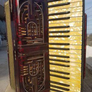 AKORNTEON  HOHNER  tou 1940  - 120 bass