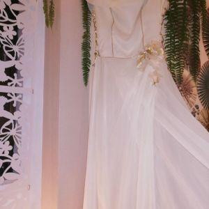 Πανέμορφο  μάξι φόρεμά L νούμερο.