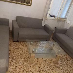 πουλιούνται καναπέδες και τραπεζάκι σαλονιού