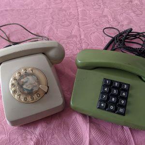 Παλιά τηλέφωνα δεκαετίας '80.