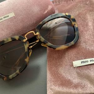 Γυαλιά Ηλίου Miu Miu