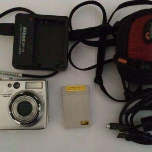 Nikon Coolpix 5900 camera