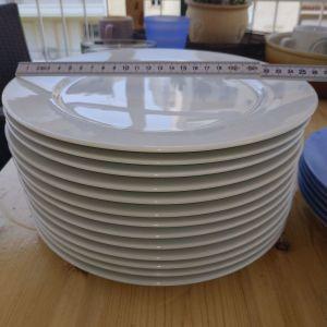 Πιάτα φαγητού 13τεμ μόνο, περίπου 26 εκατοστά διάμετρο