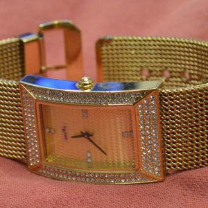 Γυναικείο επίχρυσο ρολόι ''oxette'' καινούργιο.