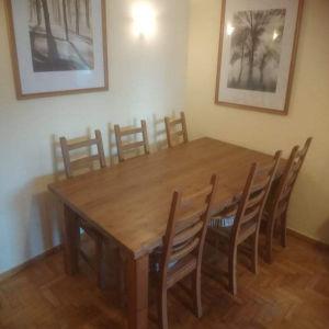 Ξύλινη τραπεζαρία με 6 καρέκλες