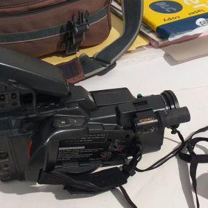 Τρία προϊόντα ΜΑΖΙ: 2 Panasonic Βιντεοκάμερες και Daewoo Player κασετών VHS πακέτο!