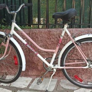 Κλασικό  Universal γυναικείο ποδήλατο 26 ιντσών.