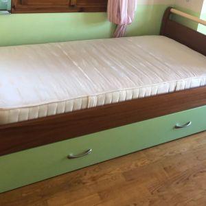 Μονο κρεβάτι ξύλινο