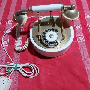 Αντίκα τηλέφωνο.
