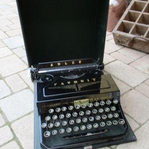 Γραφομηχανή Adler Favorit 1 του 1935