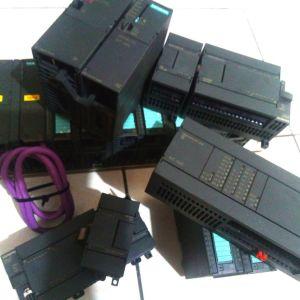 Μεγάλο πακέτο με PLC Siemens S7-300 και S7-200, κάρτες εισοόδου εξόδου, τροφοδοτικά 24V