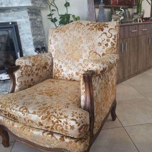 Σετ σαλονιου αντικα, ένα τριθέσιο καναπέ και δυο πολυθρονες
