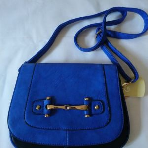 τσάντα  καινούργια  μπλε- μαύρο  χρώμα