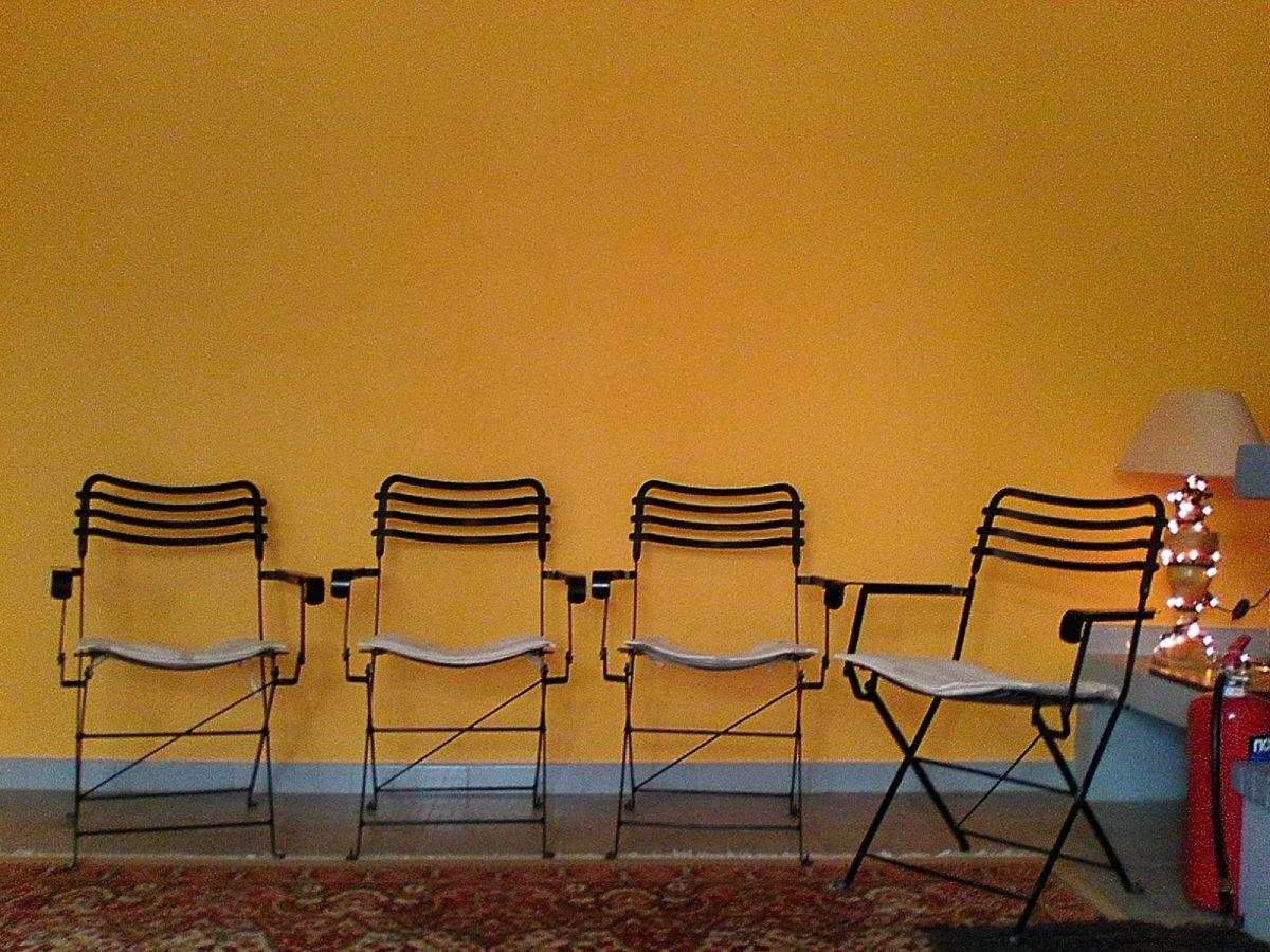 4 σιδερένιες καρέκλες για μπαλκόνι και όχι μόνο