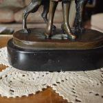 ΣΥΛΛΕΚΤΙΚΟ ΑΓΑΛΜΑΤΙΔΙΟ ΕΡΓΟ ΤΕΧΝΗΣ ART DECO ΜΠΡΟΥΤZΙΝΟ ΓΛΥΠΤΟ ΚΟΡΙΤΣΙ ΜΕ ΣΚΥΛΟ JOSEF LORENZL (1892-1950)