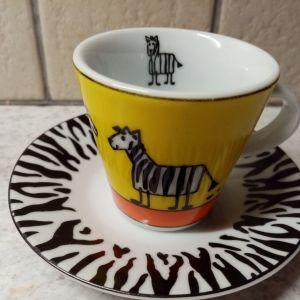 Φλυτζανακι κ πιατάκι ελληνικού καφέ