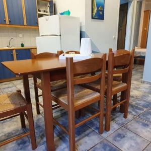 τραπεζι κουζινας με 6 καρέκλες