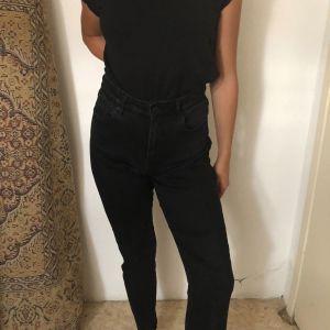 Μαύρο t-shirt