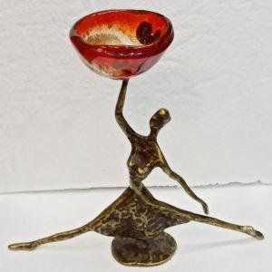μπρούτζινο άγαλμα με φυσιτό γυαλι