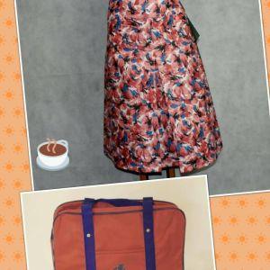 Συνδυασμός φούστας με vintage σχολική τσάντα