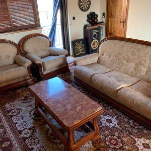 Κλασικό Σαλόνι (τριθέσιος καναπές, δύο πολυθρόνες και τραπεζάκι)