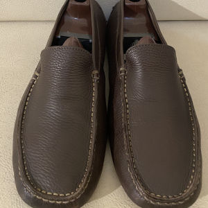 extremely gorgeous extravagant elegant unique genuinely leather moccasins loafers by Tods size 43 in good shape