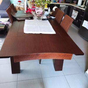 Τραπεζαρία ξύλινη δρυς με 6 καρέκλες από ξύλο με δερματίνη και μπαμπού πλάτη