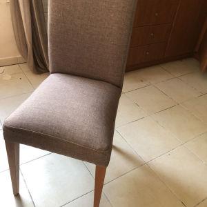 πωλούνται 6 καρέκλες 210