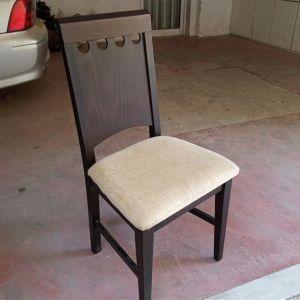 Καρεκλα ξύλινη