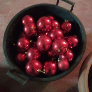 70 Μπαλες χριστουγεννιατικες